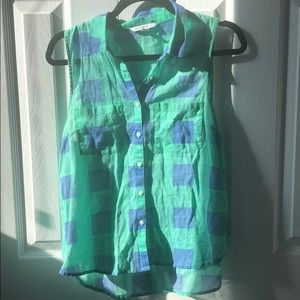 American Eagle Checked Sleeveless Buttondown -M